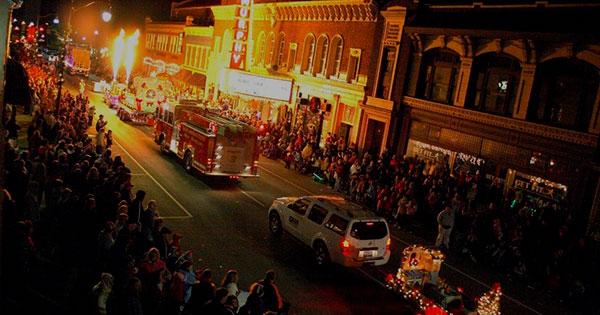 Hometown HoliDazzle Illuminated Parade & Festival