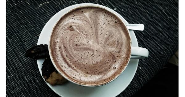Hot Chocolate Tasting & Blood Moon Hike