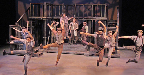Review - Newsies