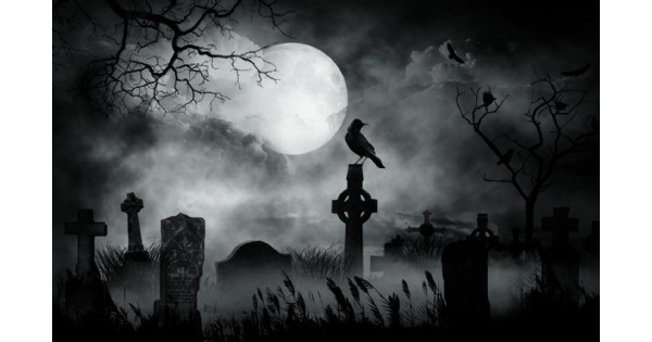 Moonlight Madness Tour at Woodland Cemetery
