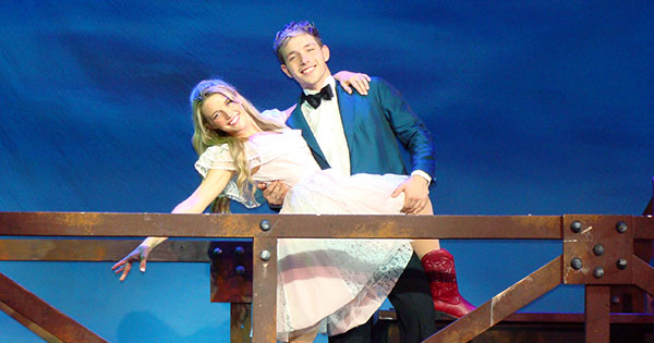 Review: Footloose: The Musical at La Comedia Dinner Theatre