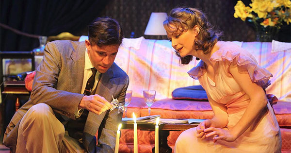 the reflection of tennessee williamss life in his play the glass menagerie Retrouvez tennessee williams's the glass menagerie et des millions de livres en stock sur amazonfr achetez on reflection this play comes to life on the.
